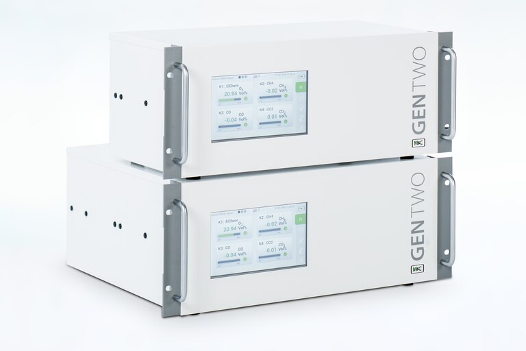 Oblique view of two GENTWO Multigas-Analyzers
